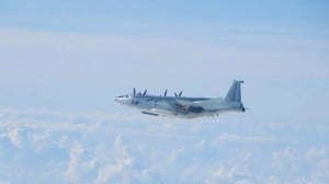 中共授權海警開火 共軍模擬攻擊美航母 美日表態
