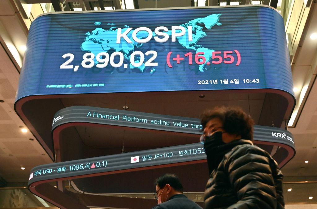 南韓政府正考慮延長「禁空令」至6月中旬,有60%散戶表示贊成。(JUNG YEON-JE/AFP via Getty Images)