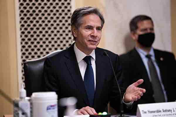 美國新任國務卿布林肯(Antony Blinken)於電視專訪表示,對中國關係應從實力地位出發,而非弱勢位置處理。( GRAEME JENNINGS/POOL/AFP via Getty Images)