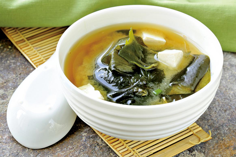美味的日式味噌湯中不能沒有豆腐。