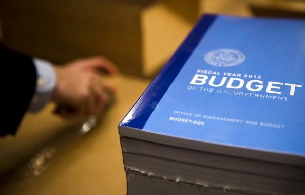 美國國會預算處(CBO)表示, 2016年度預算赤字預估將攀升至5,900億美元。(AFP)
