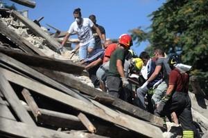 她還活著!地震廢墟中8歲童被困十幾小時