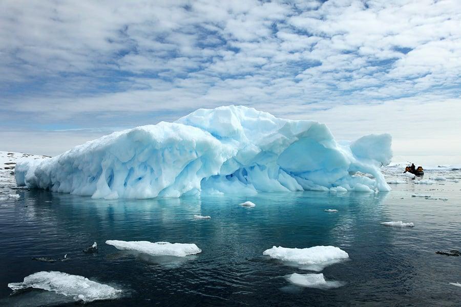 南極驚現8000個冰上湖泊 恐導致冰川崩塌