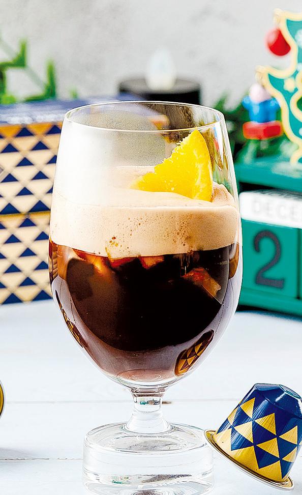 馥郁咖啡香伴隨水果香氣,並帶有紅酒微醺感。