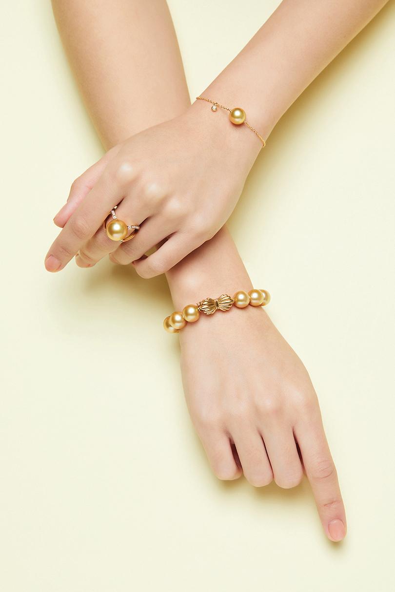 MIKIMOTO獻上南洋黃金珍珠首飾。
