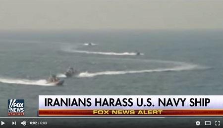 美國海軍一艘驅逐艦8月23日在霍爾木茲海峽附近航行時,遭伊朗革命衛隊4艘武裝快艇高速攔截。(YouTube視像擷圖)