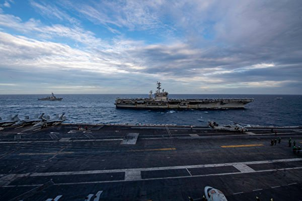 美軍雙航母南海軍演 法國核潛艇罕見駛入南海