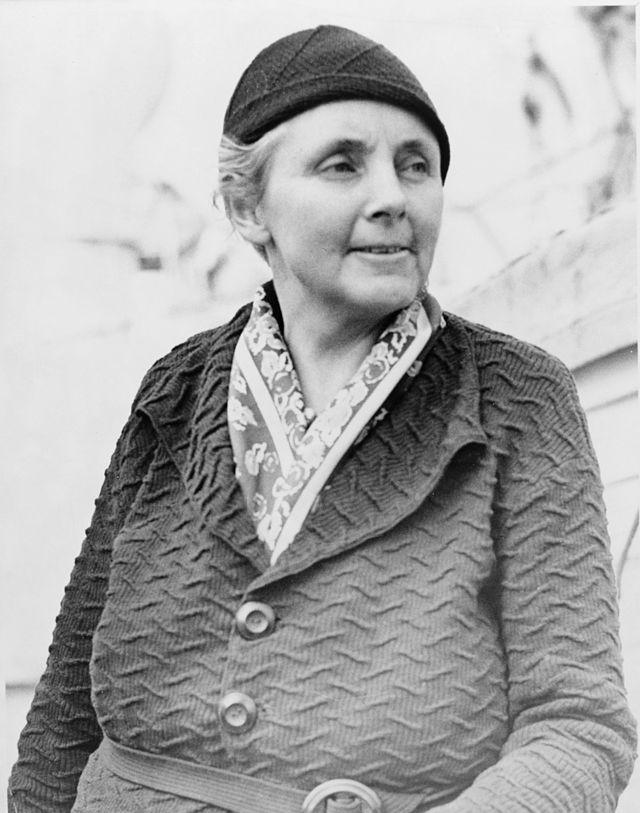 加入紅衛兵的美國記者安娜路易斯斯特朗(Anna Louise Strong)。(維基百科)