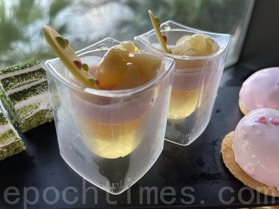 白桃甜品杯。(Siu Shan提供)
