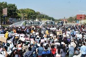 緬甸示威繼續 軍政府實彈鎮壓 美國制裁緬甸軍方