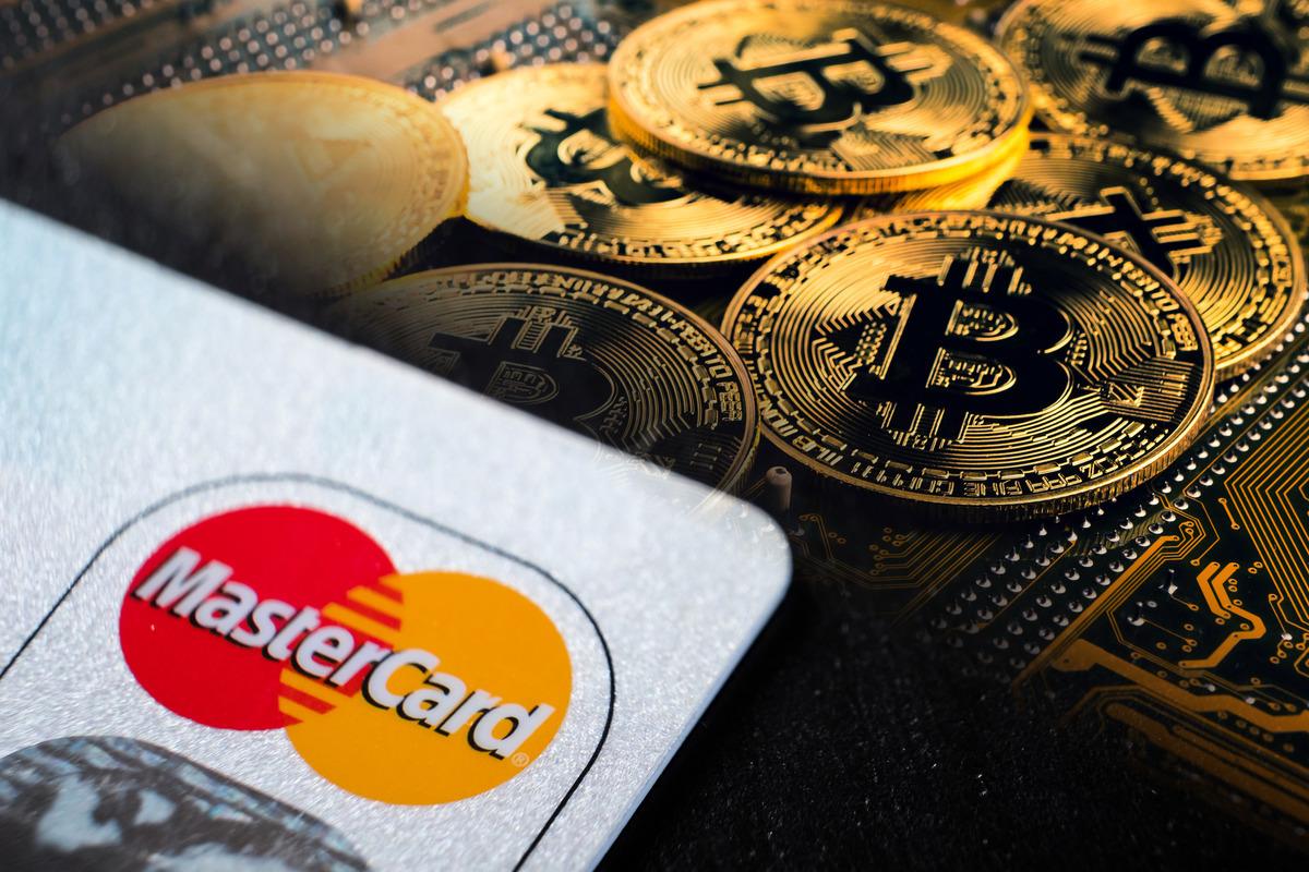 於周四(2月11日)萬事達卡及紐約梅隆先後宣佈支援Bitcoin服務後,價格再破4.8萬美元。(大紀元合成圖)