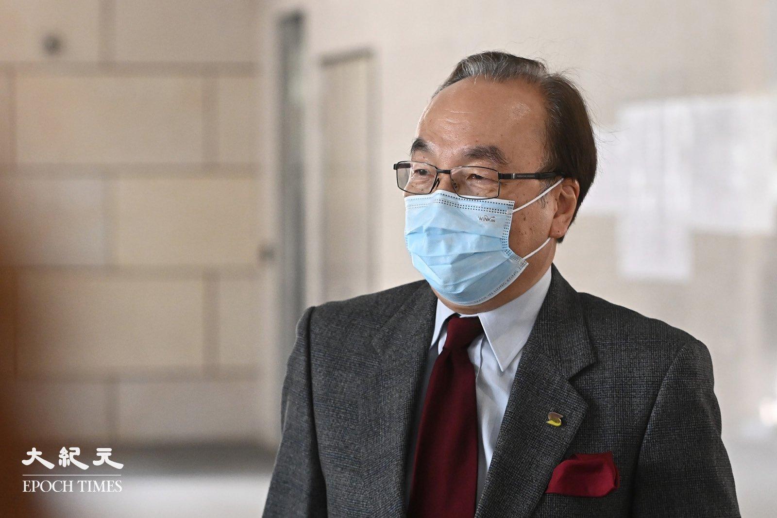 公民黨主席、資深大律師梁家傑到法院旁聽聲援。(宋碧龍/大紀元)