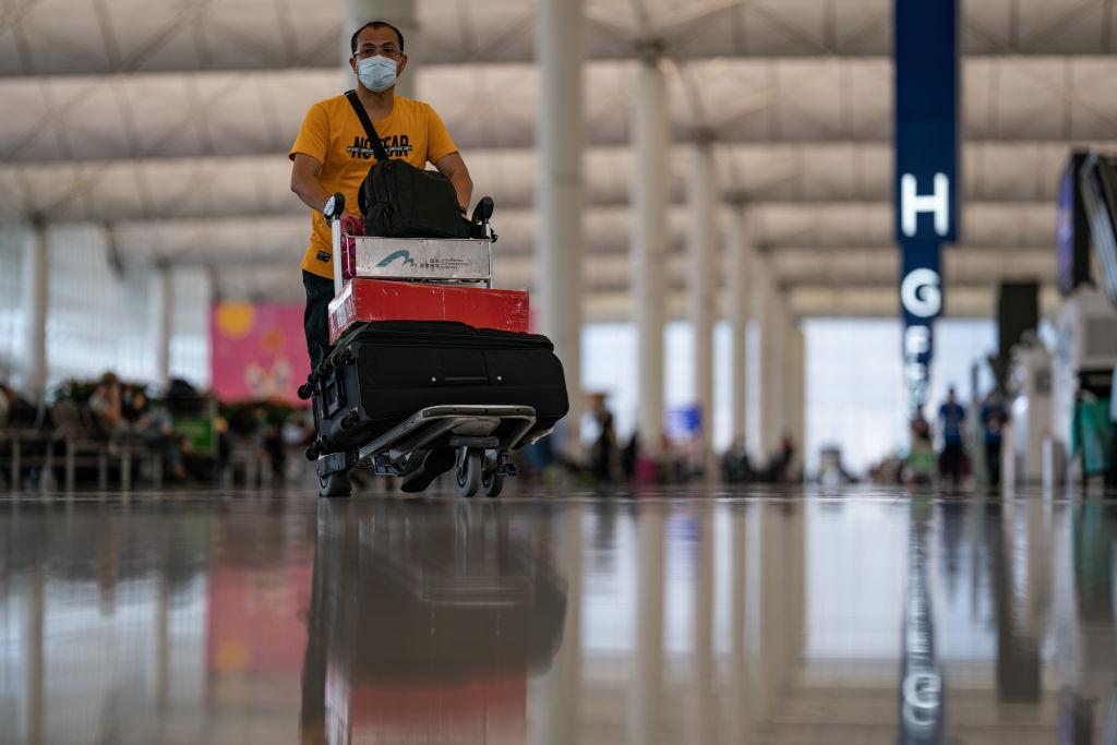 香港昨下午(2月19日)公佈最新人口臨時數字,2020年年底人口是747萬,與前一年比較減少了4.65萬。(Anthony Kwan/Getty Images)