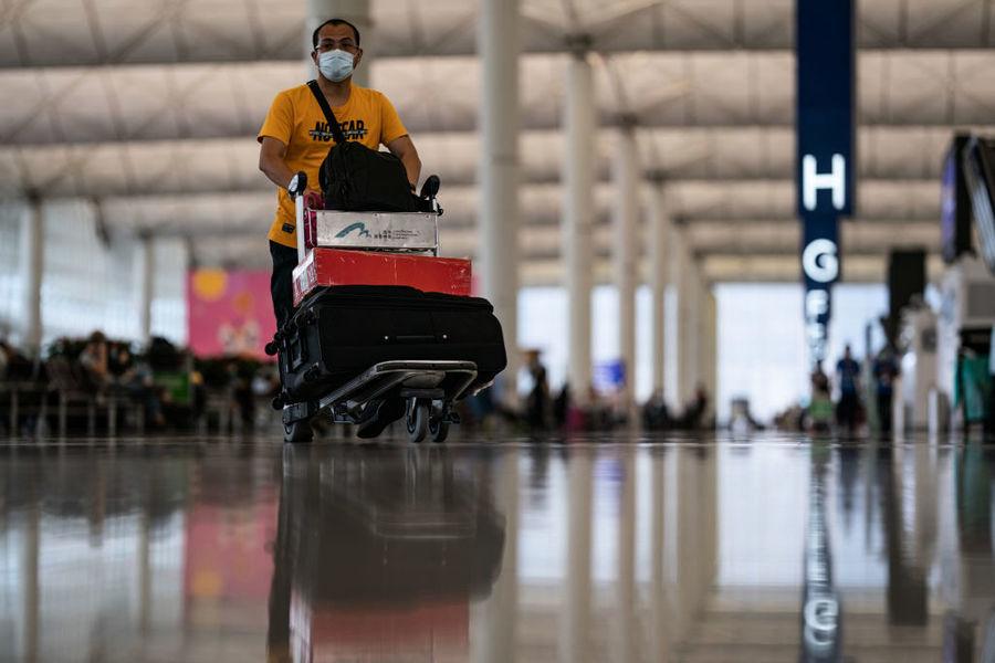 香港人口減少4.6萬 流動居民離港逾7萬