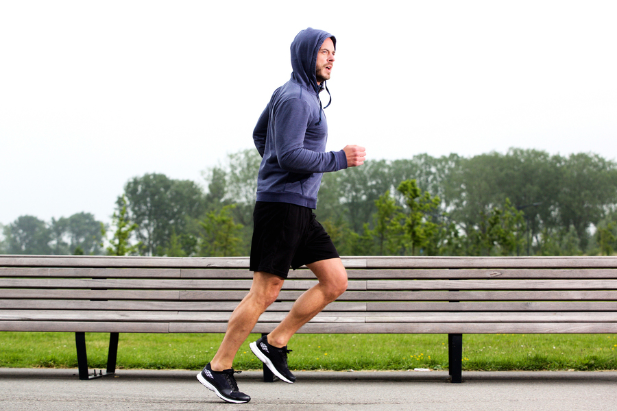 寒冷天氣跑步未暖身 恐引發足底筋膜炎
