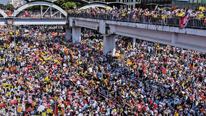 翻版六四 緬甸萬人堵路阻軍隊入城鎮壓