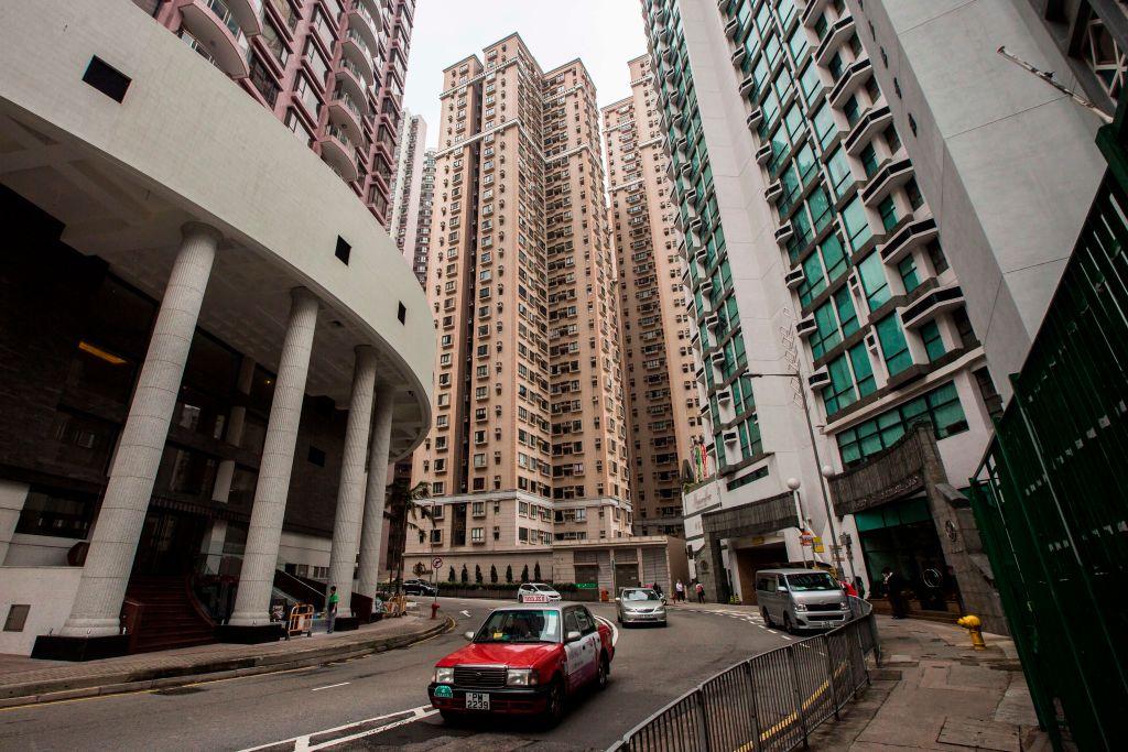 中原CCL今天(2月19日)公佈的數據顯示,香港樓價與上週比較回落0.24%。(ISAAC LAWRENCE/AFP via Getty Images)