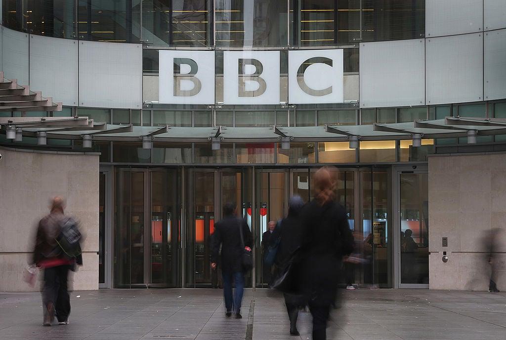 英國媒體披露,騰訊與英國廣播公司(BBC)在近些年進行了一系列合作,而騰訊的背景非常可疑,被指控與中共軍方有關。(Frederick M. Brown/Getty Images)