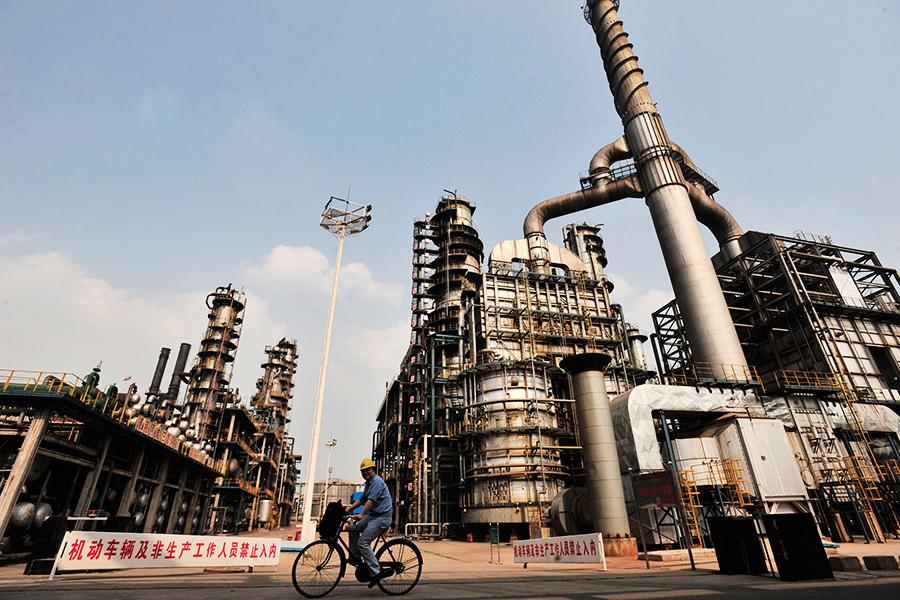 中國油田枯竭或逼「三桶油」從國際舞台出局