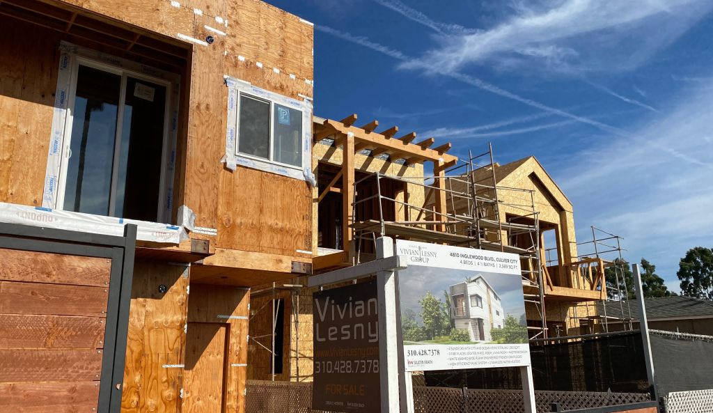 美1月成屋銷售669萬勝預測 樓價年漲14%至30.4萬美元