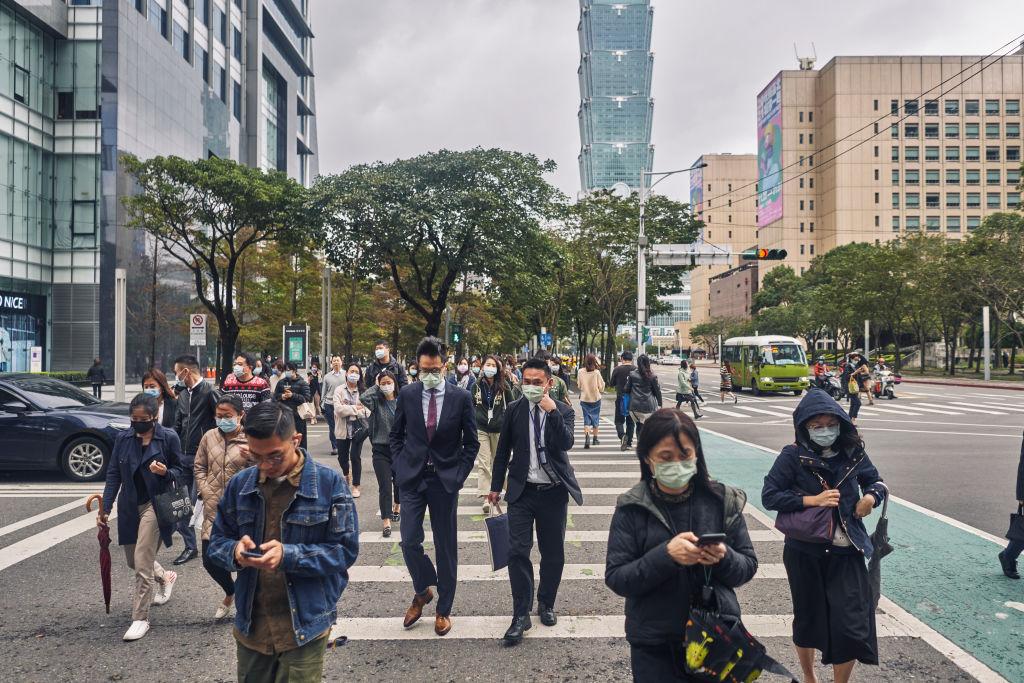 台灣今天(2月20日)公佈第四季及全年GDP上修至5.09%及3.11%。(An Rong Xu/Getty Images)