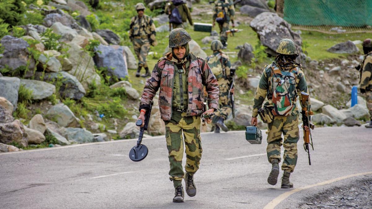 圖為中印邊境的印度軍人。(Yawar Nazir/Getty Images)