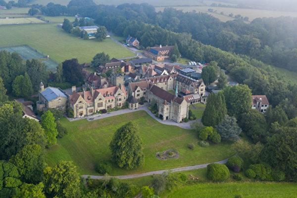 英國十七所學校被中共收購 九校有中共高層背景