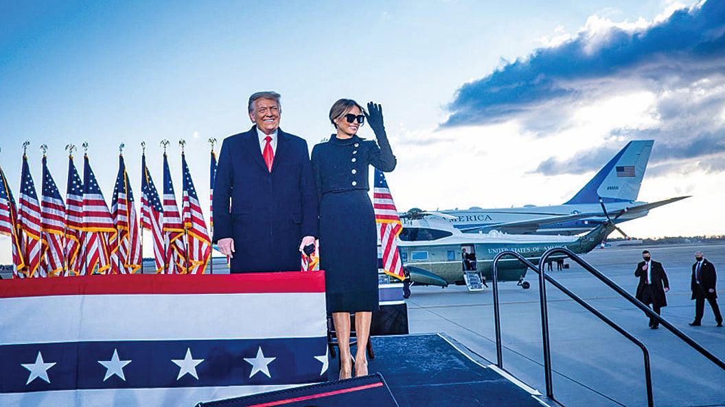 1月20日,特朗普總統及其夫人在安德魯斯聯合基地舉行的送別儀式上。(Getty Images)