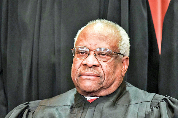 大法官托馬斯(Clarence Thomas)對最高院不受理賓夕凡尼亞州訴訟案發表了反對意見,稱應釐清州政府權力。(Getty Images)