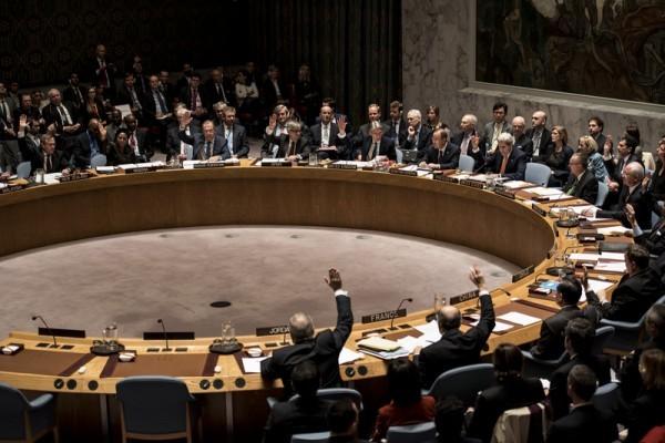 8月26日聯合國安理會15個成員國同聲嚴厲譴責北韓發射潛射彈道導彈聲明。(Andrew Renneisen/Getty Images)