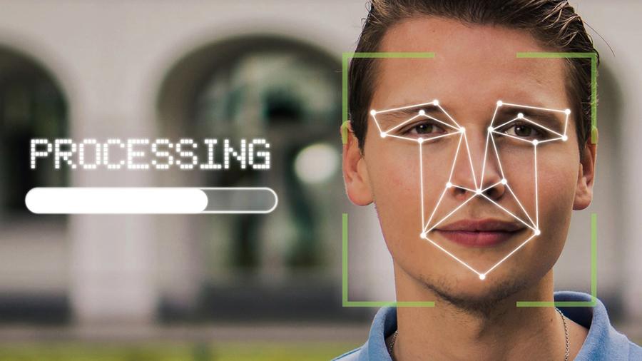 大陸手機人臉識別曝漏洞 一副眼鏡可破解