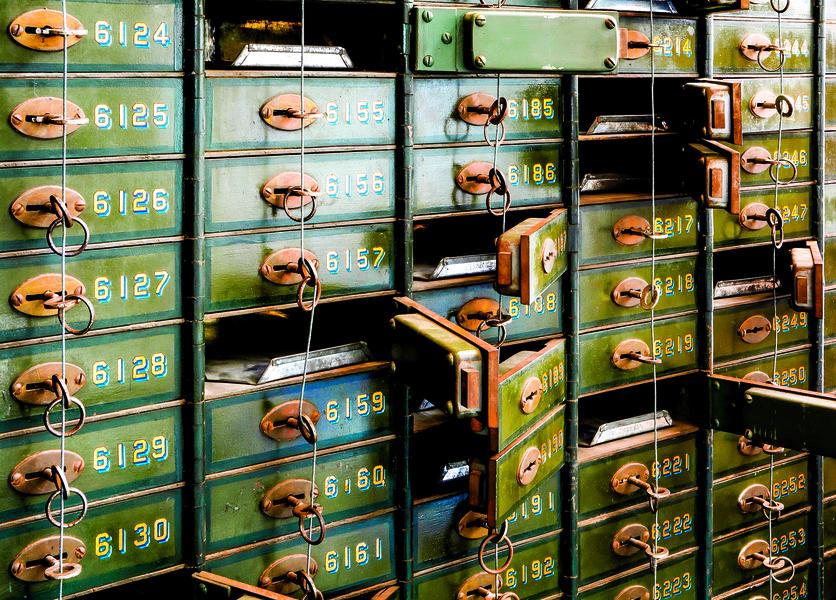【北美生活】了解銀行保險箱 (2)  :  銀行強行撬開保險箱怎麼辦?