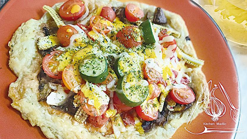 啡菇蕃茄野菜酥皮薄餅。