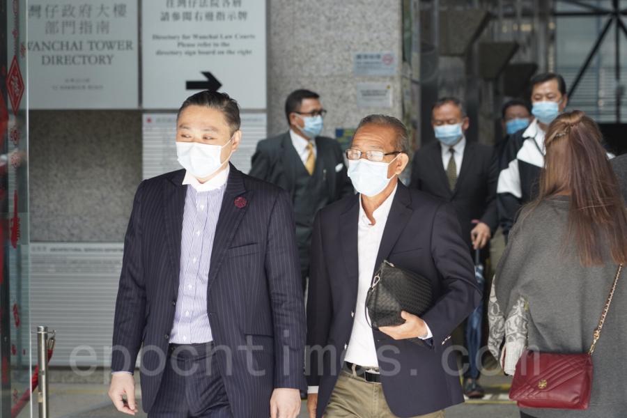 元朗721白衣人襲擊事件,第七被告鄧英斌(右一)。(余鋼/大紀元)