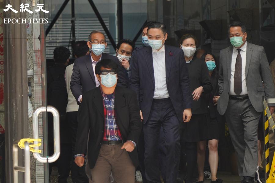 針對前年7月21日元朗白衣人無差別襲擊市民事件,有六名不認罪被告於2月26日持續在區域法院受審。(余鋼/大紀元)