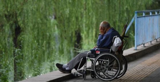 大陸關於延遲退休話題 惹熱議。(推特截圖)