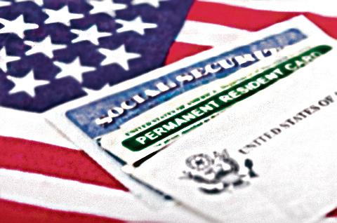 美國國務院(DOS)近日公佈「2015年度移民簽證報告」,截至2015年11月1日止,親屬移民以及職業移民的簽證申請案件,總計455萬6,021件,較前一年同期的442萬2,660件,增長3%。(Fotolia)