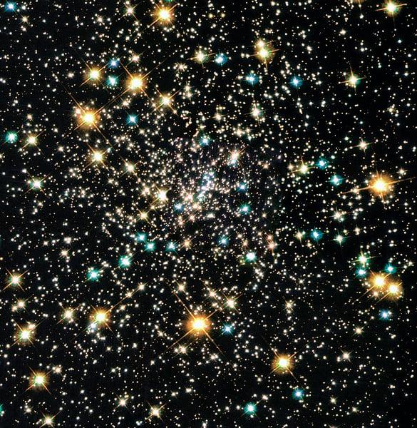 太空奇異現象: 球狀星團驚現大量小型黑洞