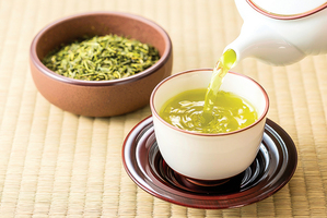 新研究:綠茶增強天然抗癌蛋白活性