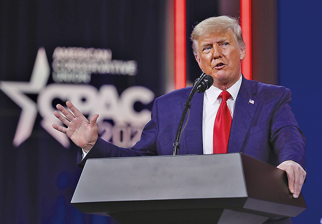 2021年2月28日,前美國總統特朗普在保守派大會CPAC上發表講話。(Getty Images)