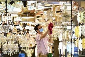 受第4波疫情衝擊 香港零售銷售1月再跌逾13%