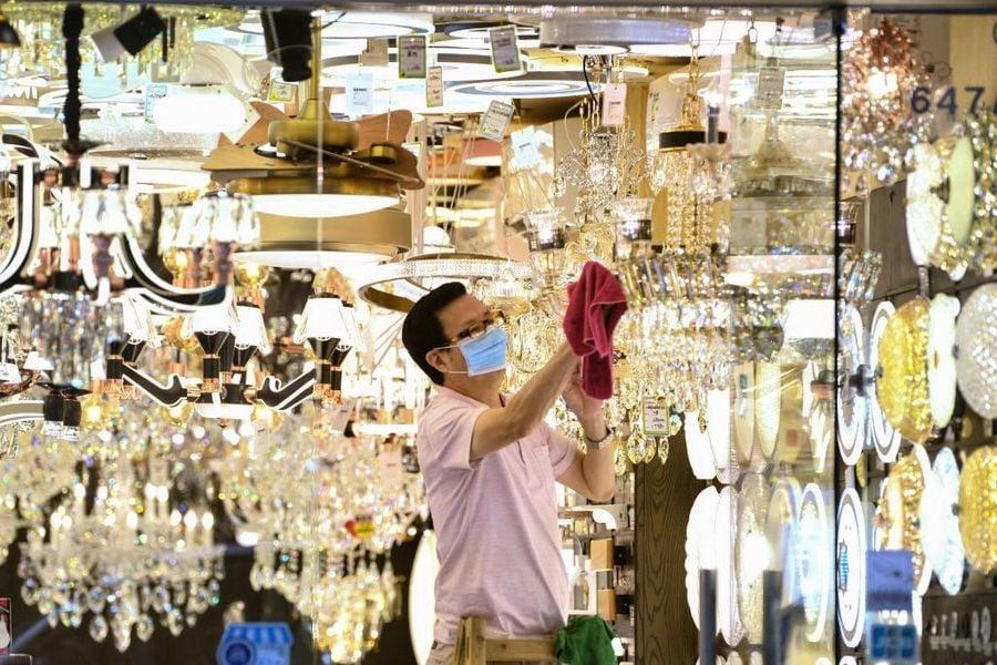 受疫情衝擊 香港零售銷售1月再跌逾13%