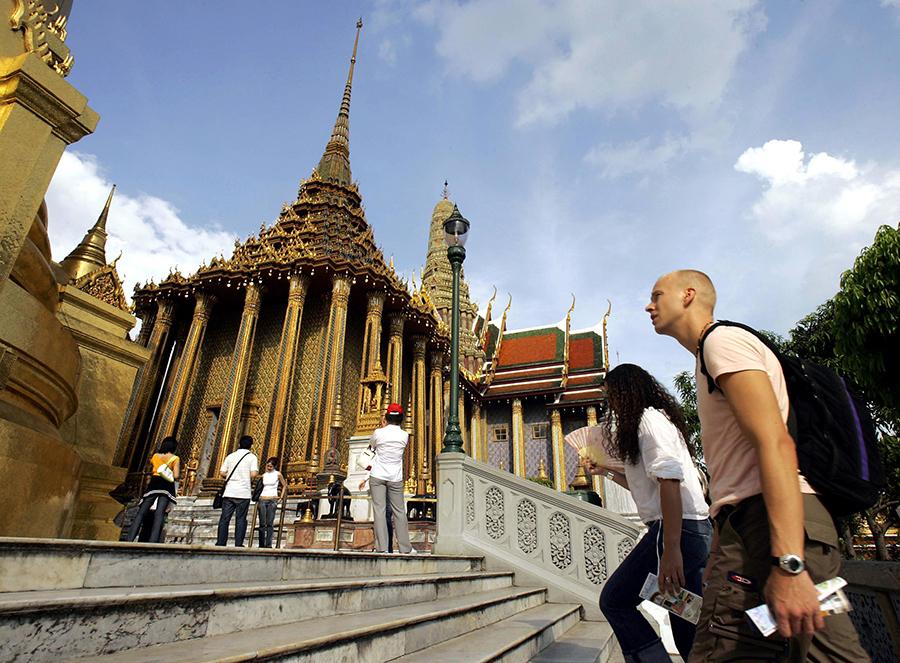 泰國日前通報世界衞生組織(世衞)的一宗中東呼吸綜合症新增個案。(PORNCHAI KITTIWONGSAKUL/AFP/Getty Images)
