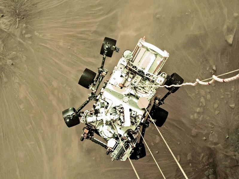 NASA分享毅力號登陸時刻俯視圖