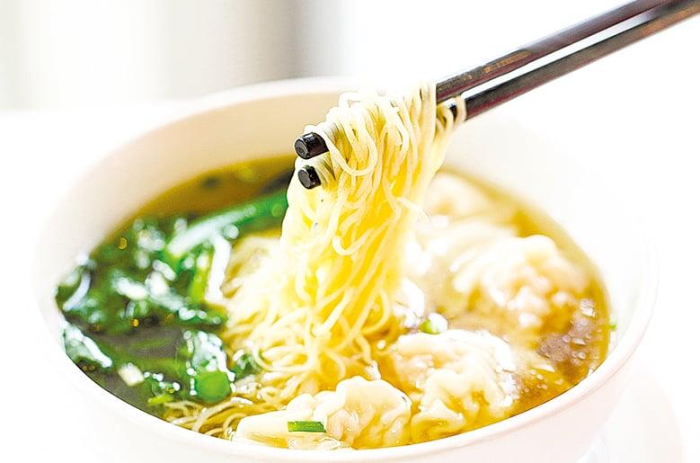 蔬菜湯頭也可以用來煮湯麵。