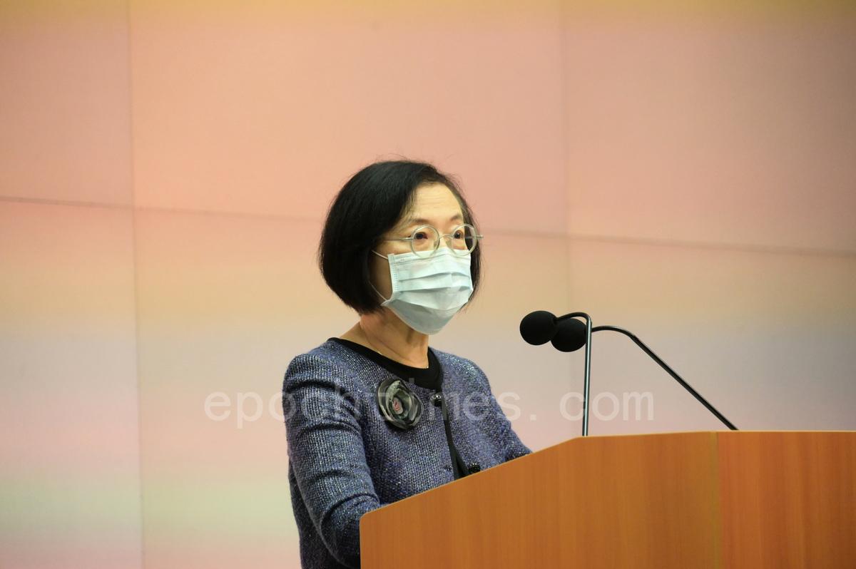 陳肇始表示,隨著市民每天接種疫苗,未來會繼續出現異常事件。(郭威利/大紀元)