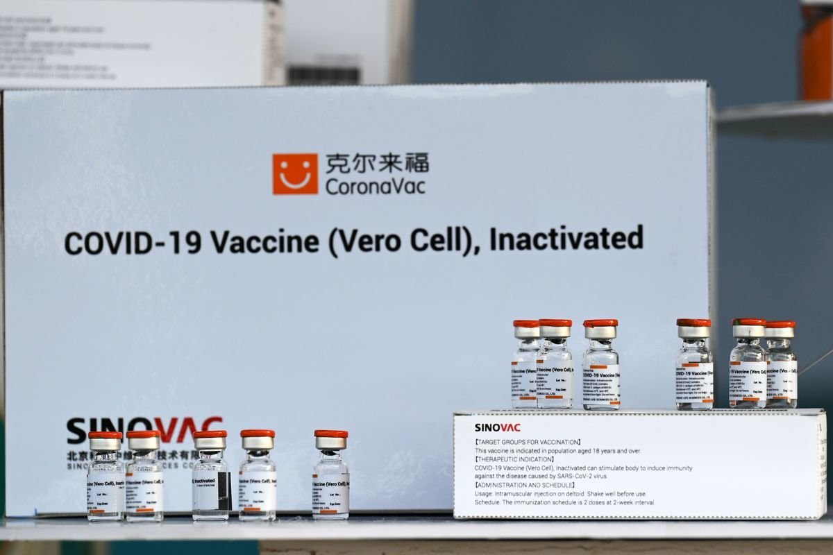 科興疫苗第三期數據沒有包括60歲以上的老人。(LILLIAN SUWANRUMPHA/AFP via Getty Images)