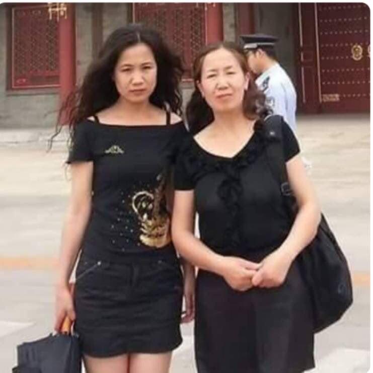 妹妹李煥君(左)與姐姐李美青(右)。(來源:人權捍衛者趙常青推特)