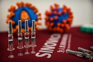中共疫苗外交已知56人死 國內接種比例低