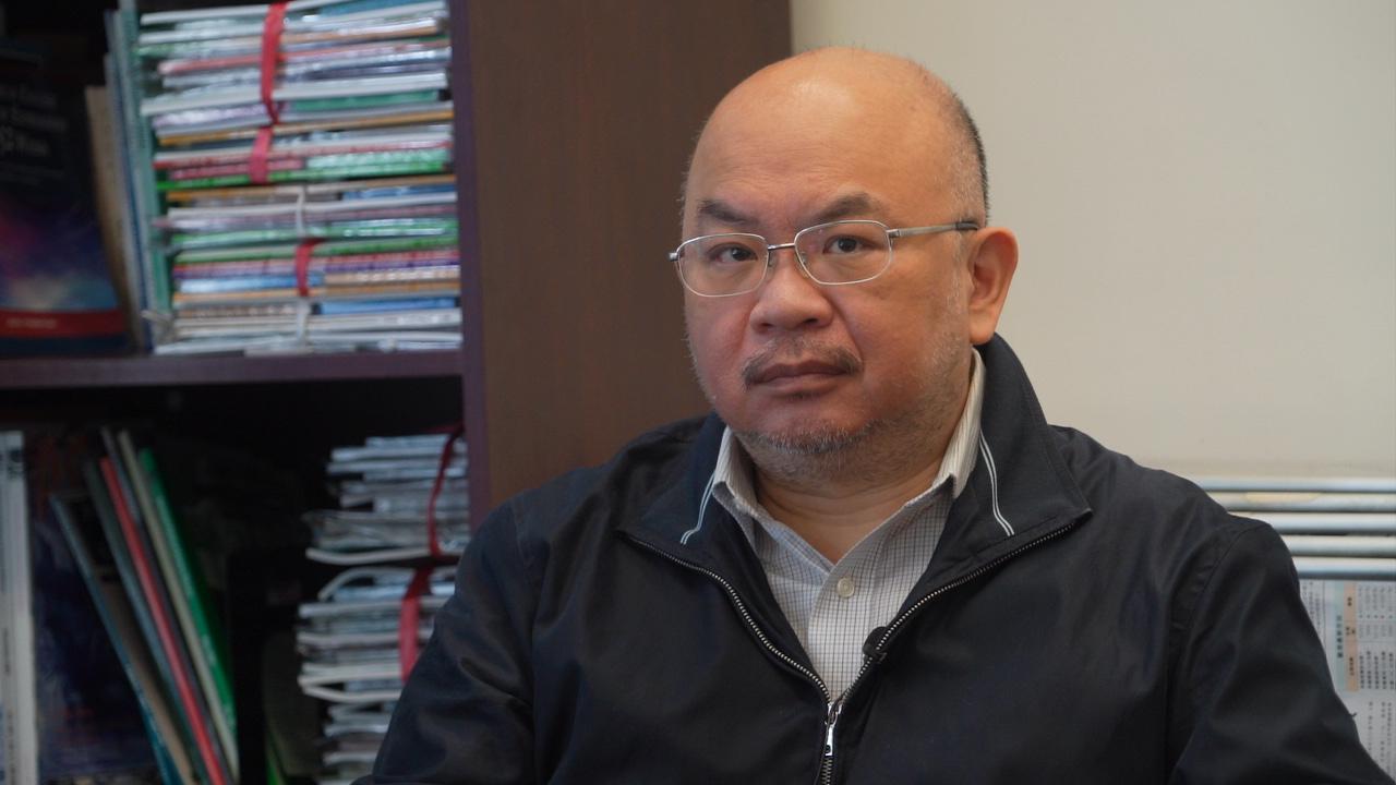 香港中文大學政治與行政學系高級講師蔡子強,3月11日接受珍言真語採訪時表示,認為此舉令香港倒退50年。(余鋼/大紀元